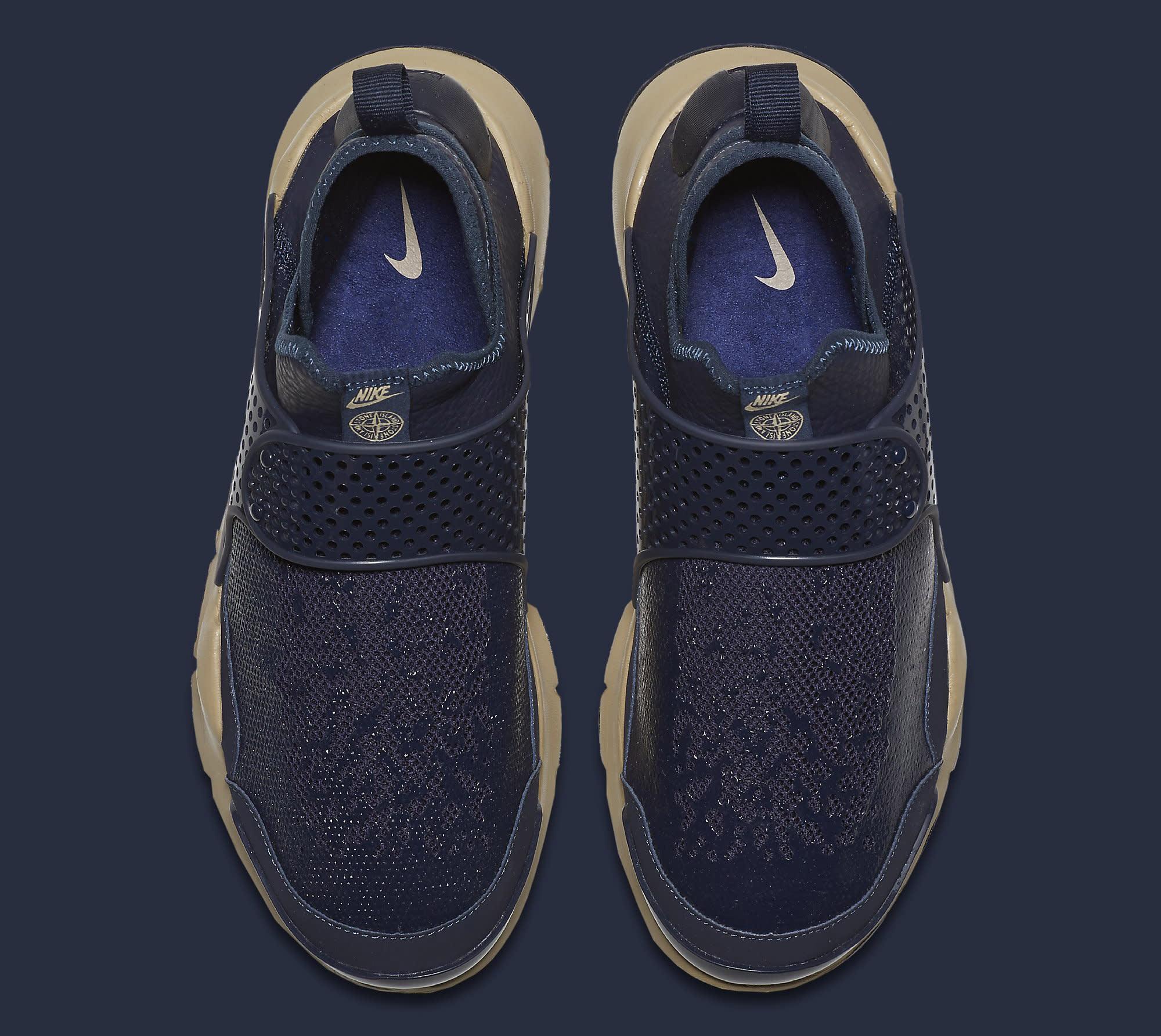Stone Island Nike Sock Dart 910090-400 Top