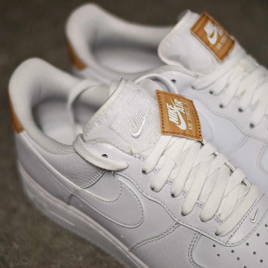 nike-air-force-1-low-white-vachetta-tan-03