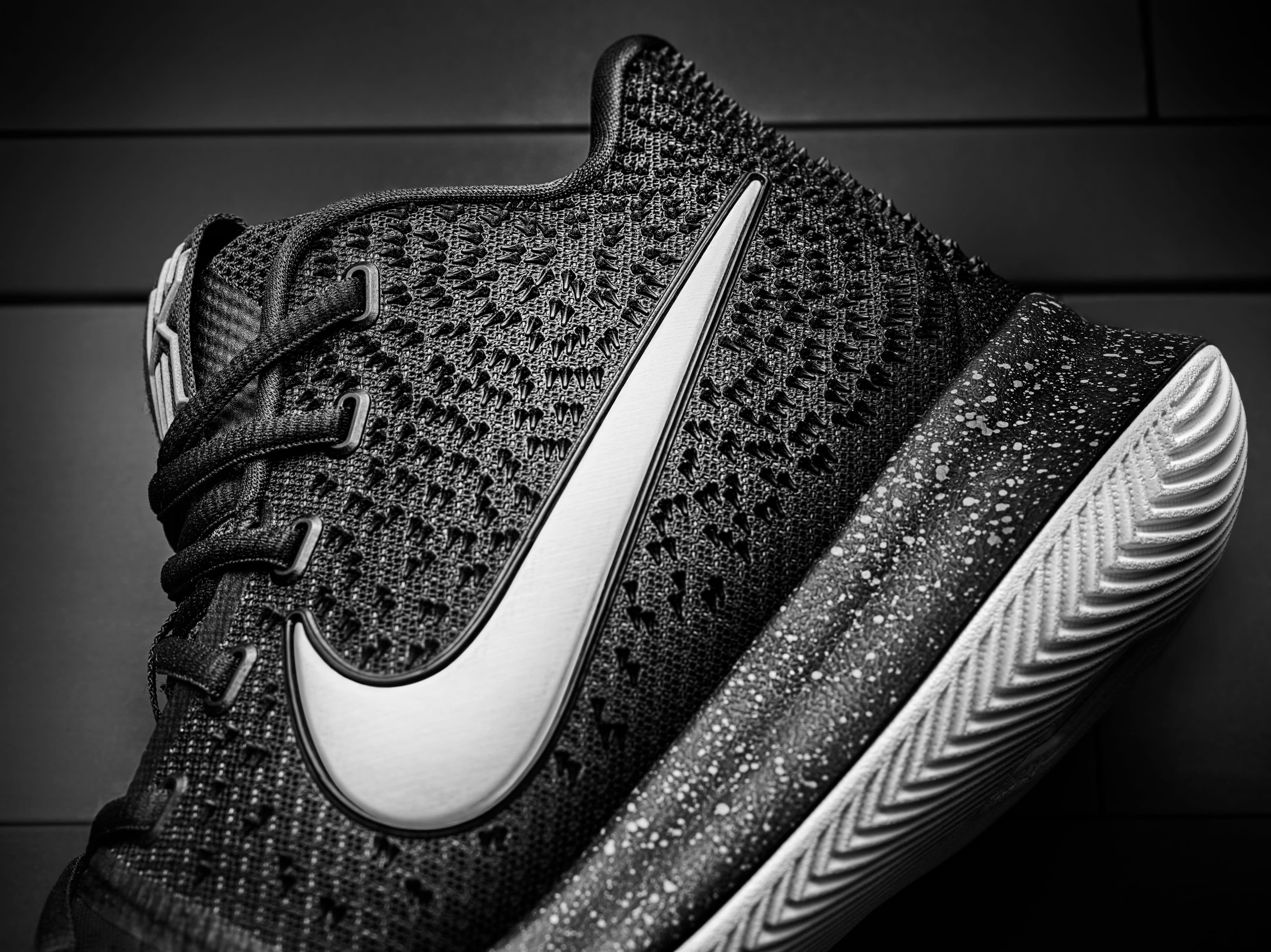 Nike Kyrie 3 Black Ice Side