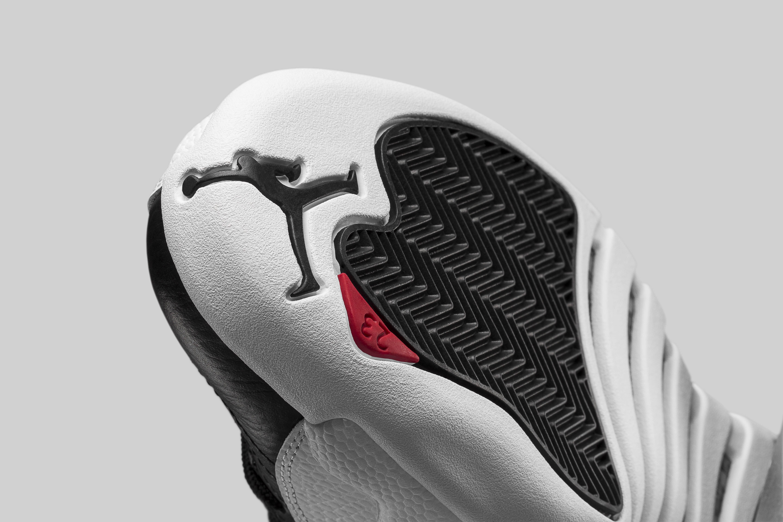 Air Jordan 12 Low Playoffs 308317-004 Sole Detail
