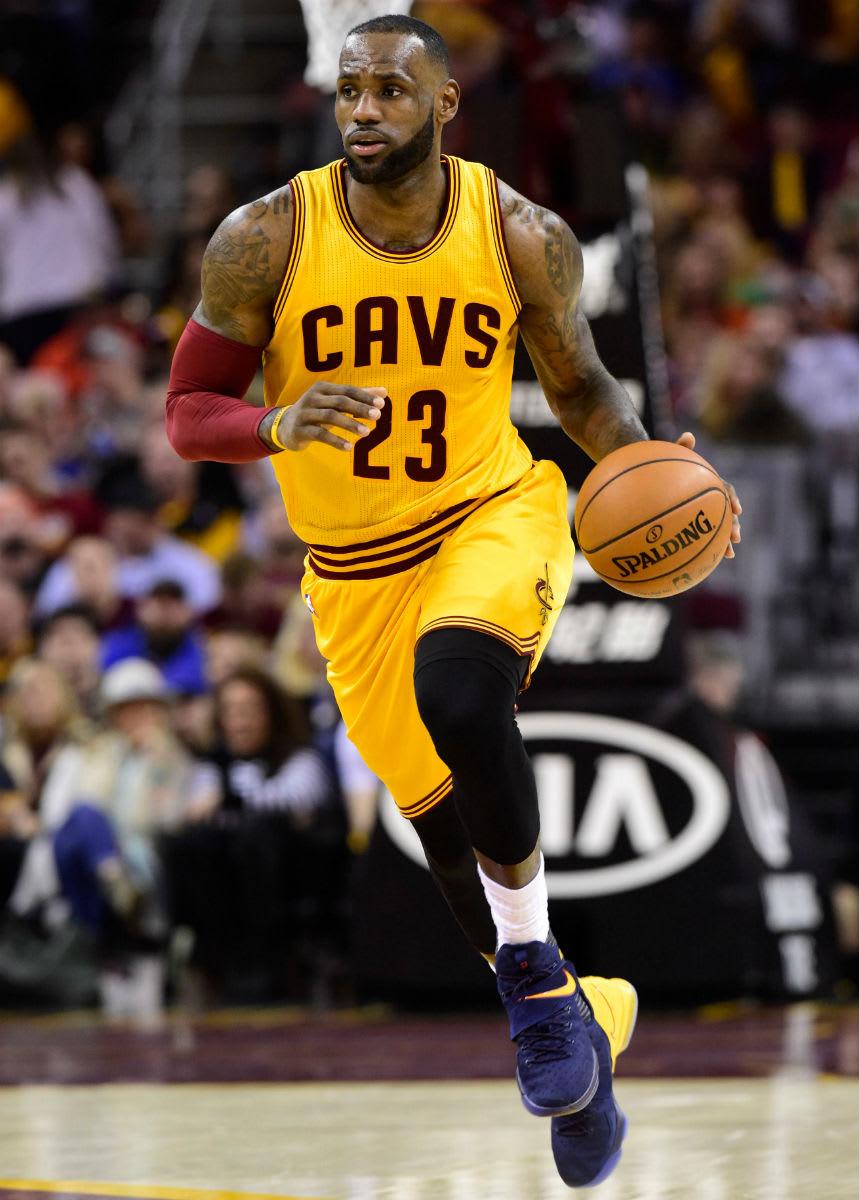 LeBron James Nike LeBron 14 Navy/Yellow PE