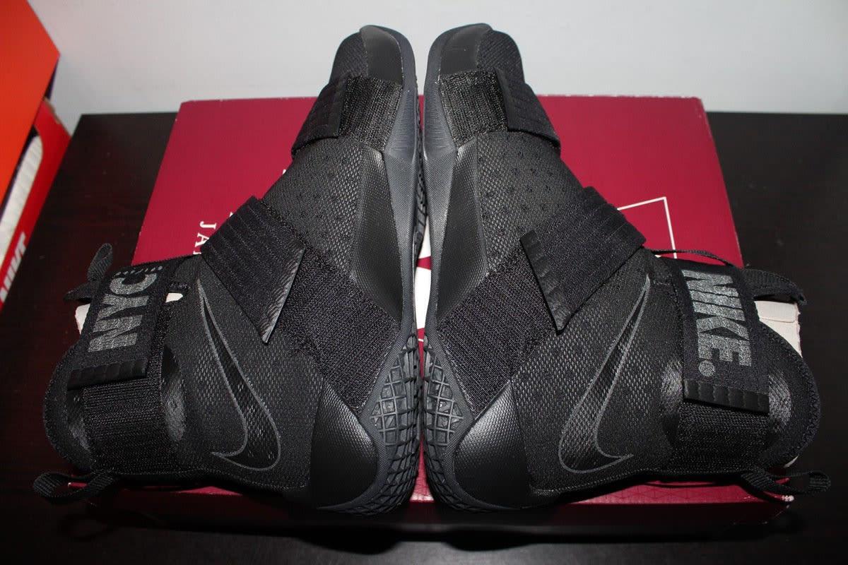 Nike LeBron Soldier 10 NYC Blackout (6)