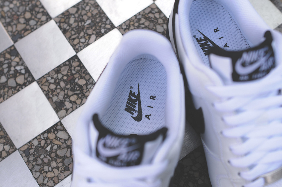 Nike Air Force 1 Low White Black Sole Collector