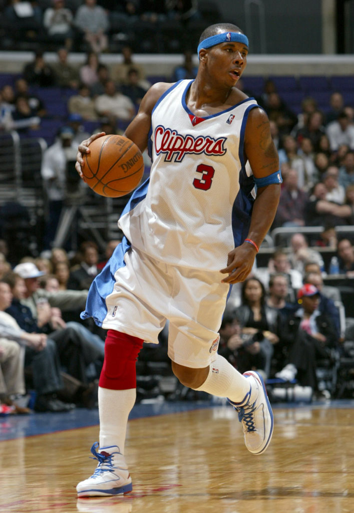Quentin Richardson wearing Air Jordan II 2 Los Angeles Clippers Home PE