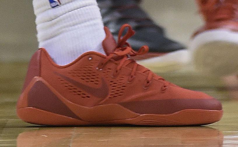 DeMar DeRozan Wears All-Red Nike Kobe 9