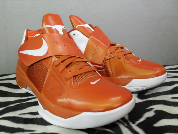 64fdf2ac8284 The Texas Longhorns edition of the Zoom KD IV is scheduled to release this  Saturday