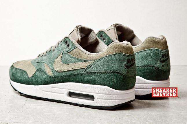 Nike Air Max 1 Suede