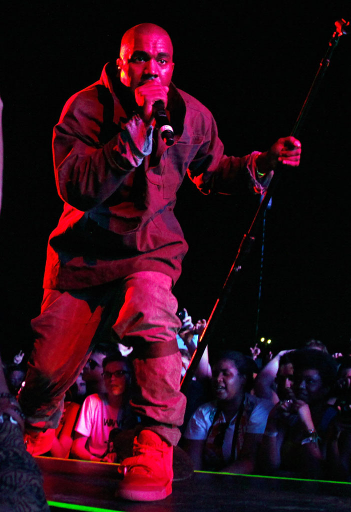 Kanye West wearing Nike Air Yeezy II 2 Red October