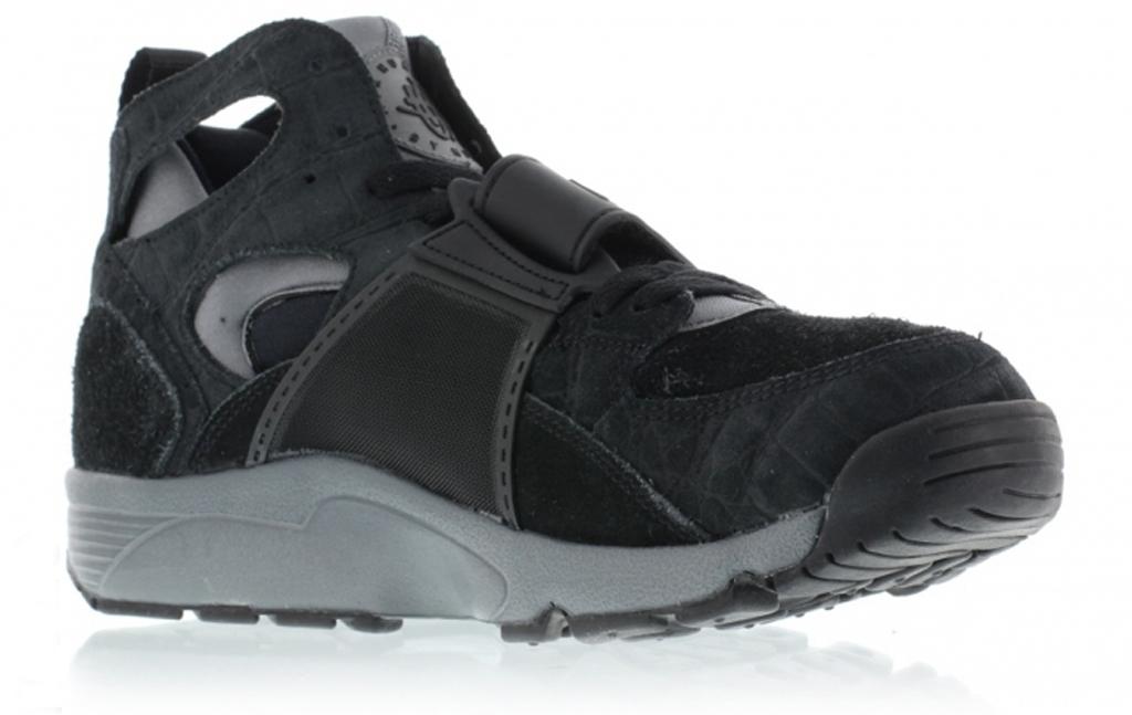 464f2704bb570 ... shop nike air trainer huarache color black cool grey black style 679083  019 2421e 92bc1