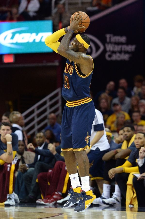 LeBron James wearing Nike LeBron XII 12 Blue Cavs PE (6)