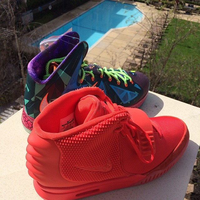 Draymond Green Picks Up Nike LeBron 10 What the LeBron & Nike Air Yeezy 2 Red October