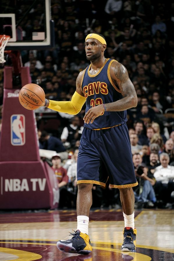 LeBron James wearing Nike LeBron XII 12 Blue Cavs PE (3)