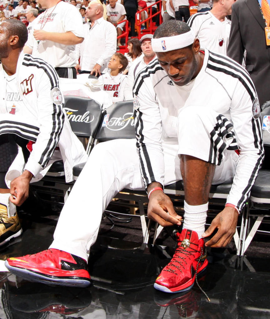 brand new 382a5 c99ac LeBron James Wears Red Gold Nike LeBron X PS Elite For Game 1 (7
