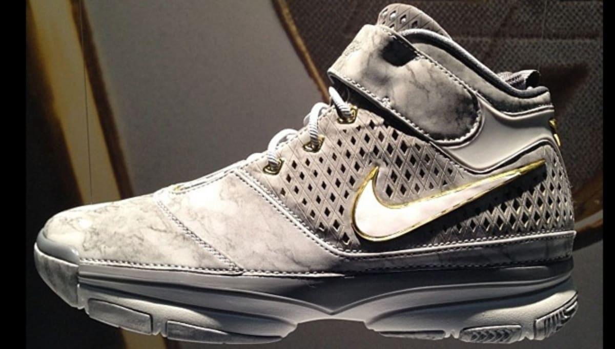 287bd72e7011 Nike Zoom Kobe II Prelude Wolf Grey White-Cool Grey-Pure Platinum