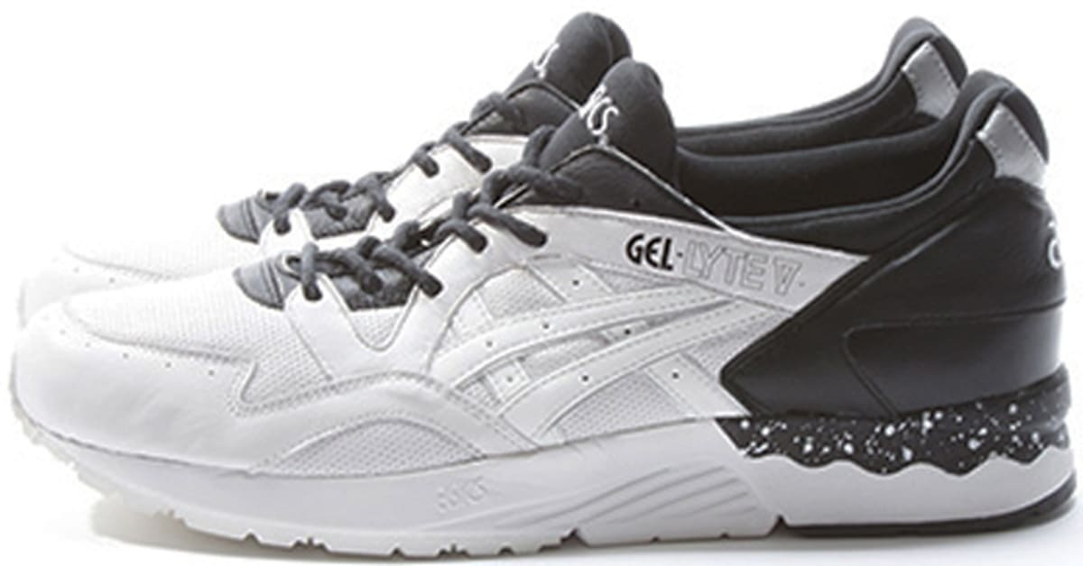 asics black white