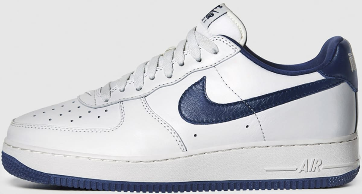 Nike Air Force 1 Low Retro White Obsidian Nike Sole Collector