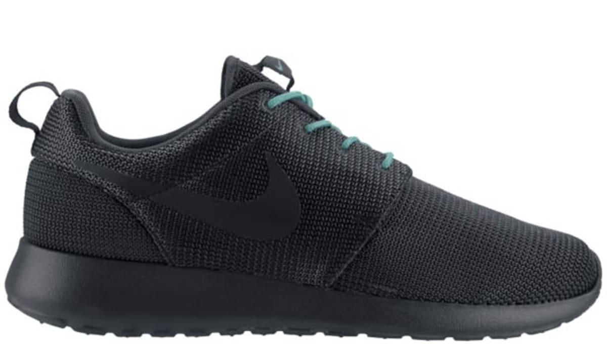 dd1344b2a0126 Nike Roshe Run Anthracite Crystal Mint