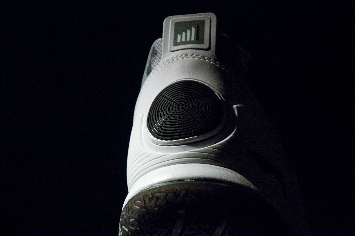 Li-Ning Way of Wade 5 Grey Camo Release Date Heel Angle