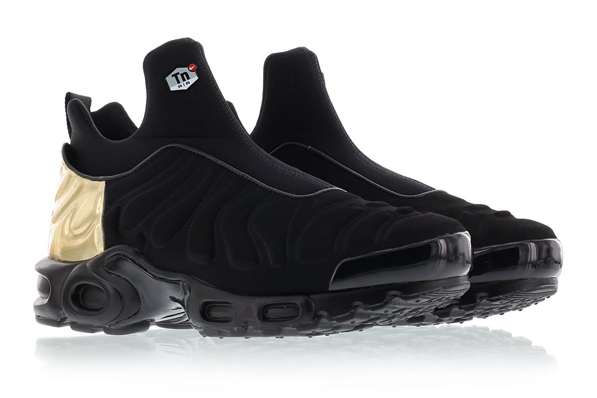 159f9f46c6 Image via Titolo Nike Air Max Plus Slip On 940382-001 Black Gold Front