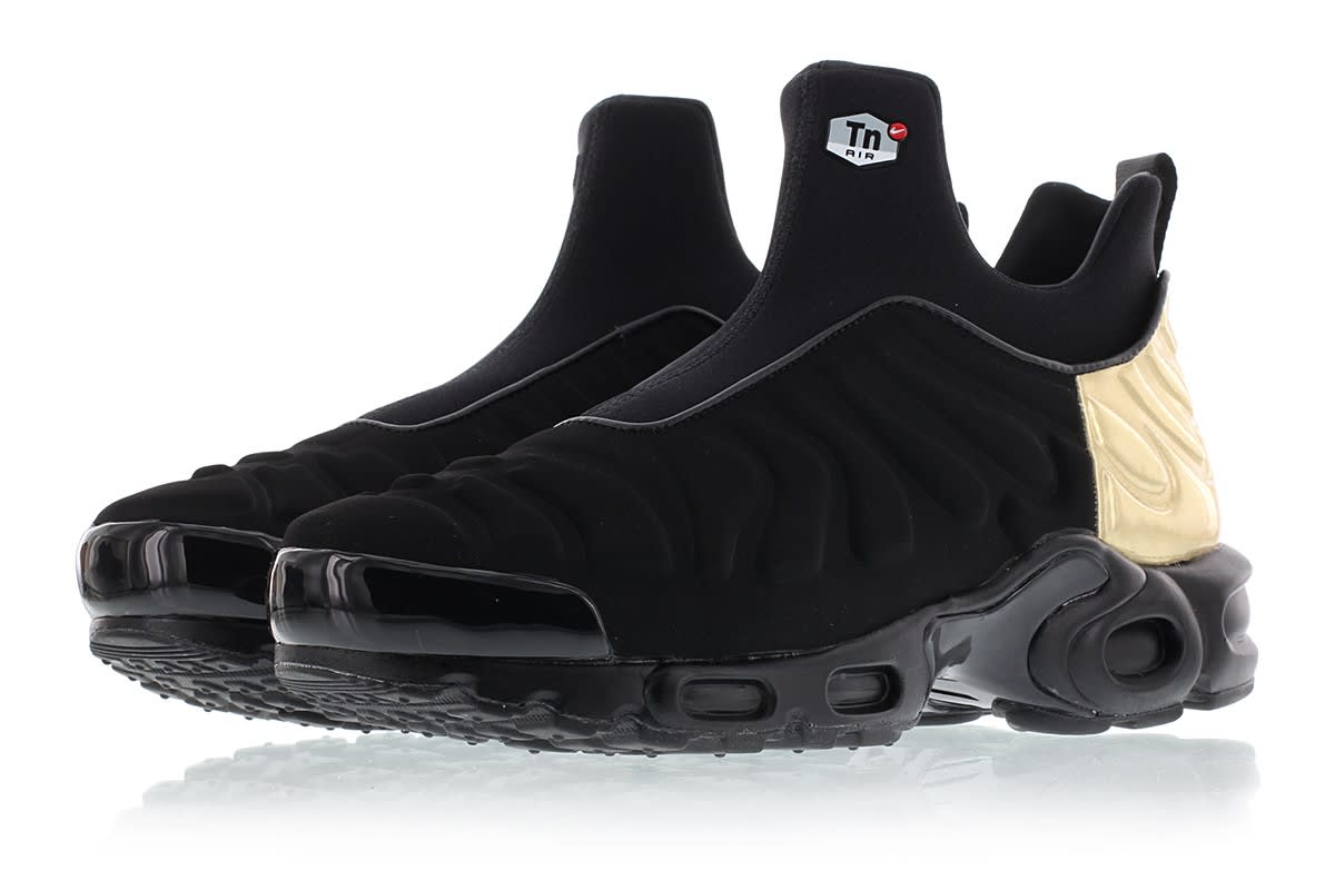 13b906efb6 Image via Titolo Nike Air Max Plus Slip On 940382-001 Black Gold Black