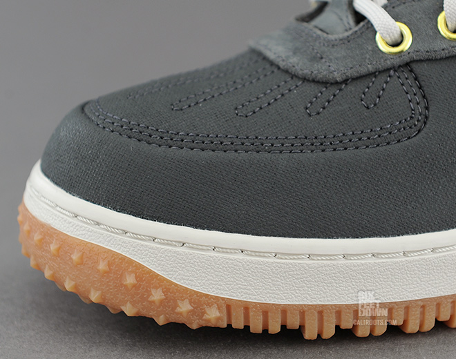Nike Air Force 1 Duckboot in Anthracite toe