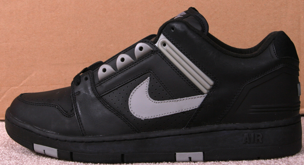 check out 4aba3 c4024 Nike Air Force 2 Low