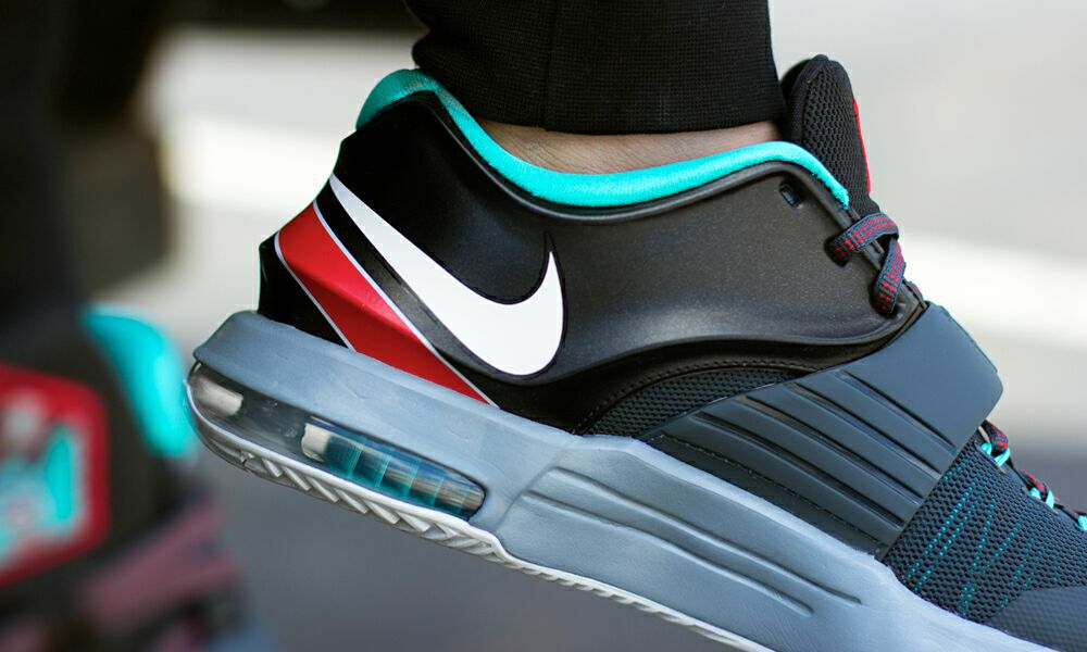 sports shoes 6032d 32300 See How the Nike KD 7  Thunder Bolt  Looks On-Feet