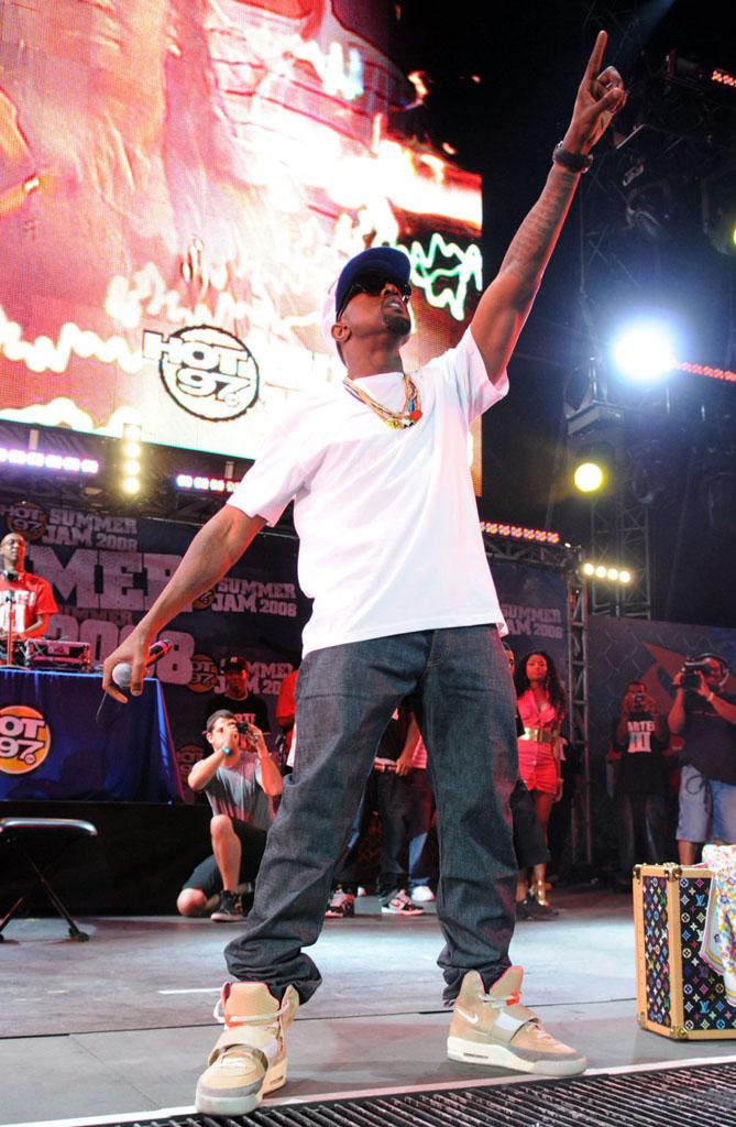 online store ea52b 95d7b ... Kanye West wearing Nike Air Yeezy Net ...