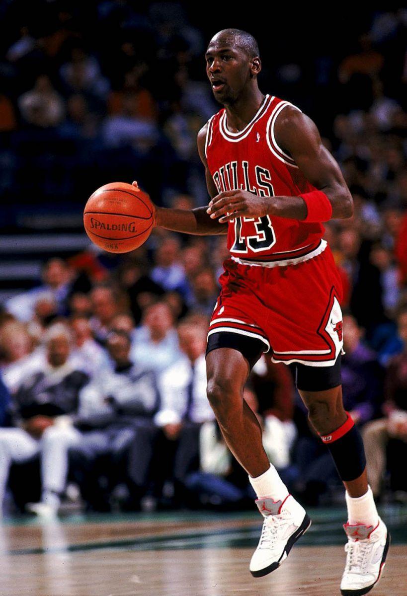 22380228944 Flashback    Michael Jordan in the Air Jordan V  Fire Red