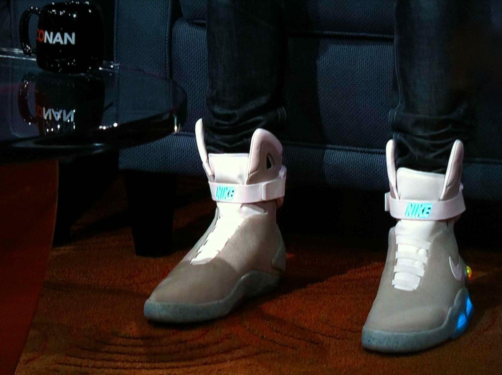 kid cudi wears nike mags on conan sole collector
