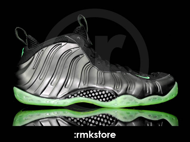 buy popular 333a5 35f03 Nike Air Foamposite One - Black/Electric Green | Sole Collector