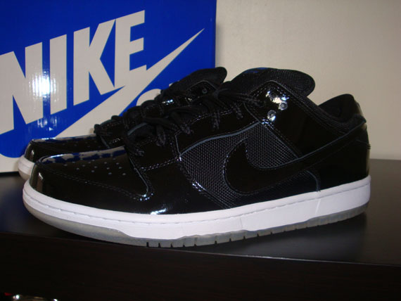 The much anticpated  Space Jam  SB Dunk Low Premium will finally arrive to  select retailers next month. f443fe3a5ae3