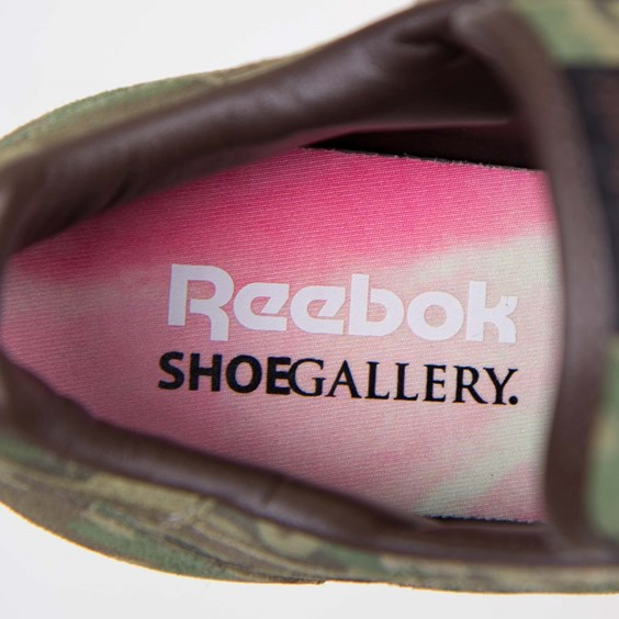 Shoe Gallery x Reebok Classic Leather Flamingos at War sockliner