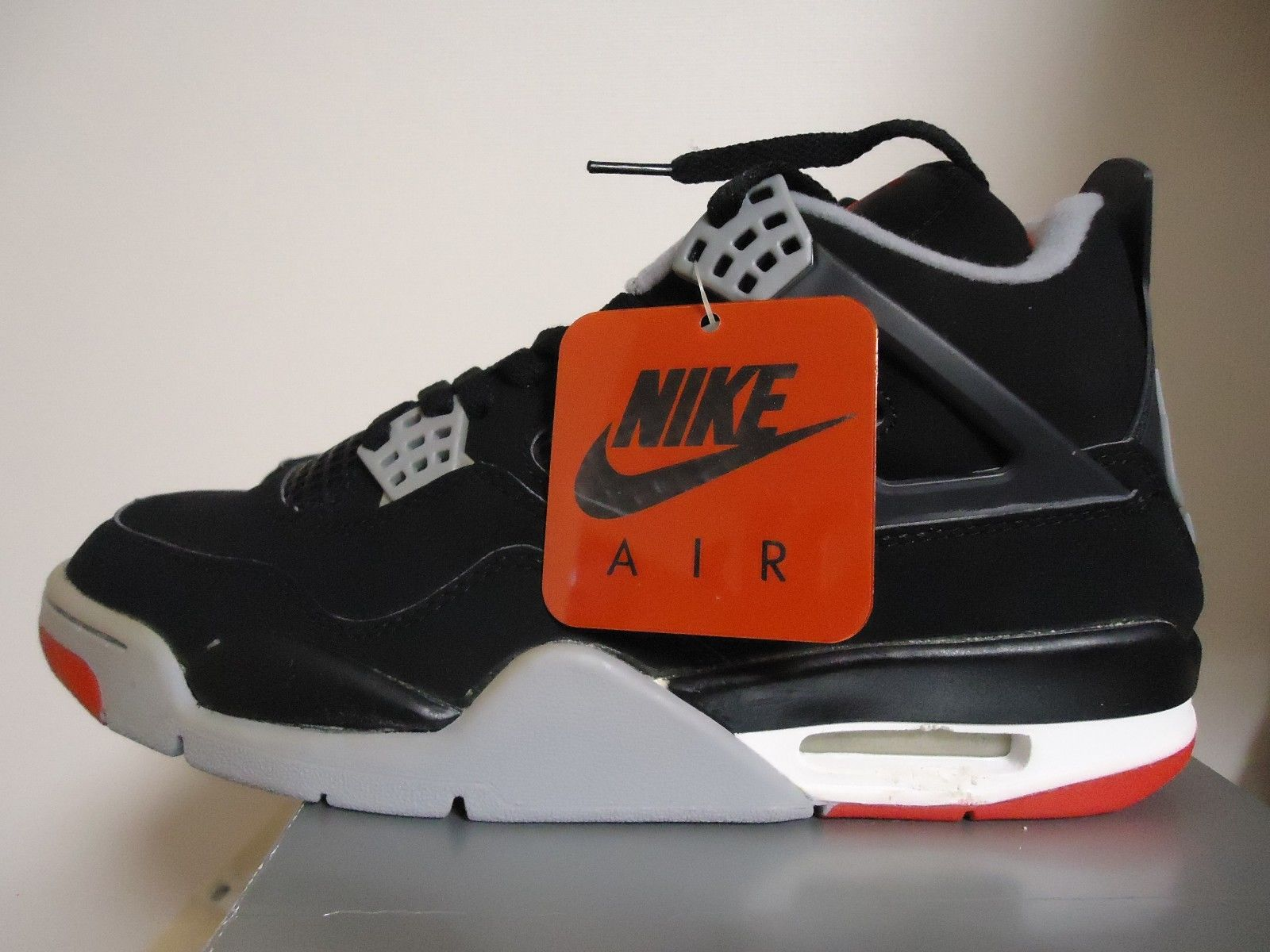 20 Deadstock Vintage Air Jordans You Can Grab on eBay Right
