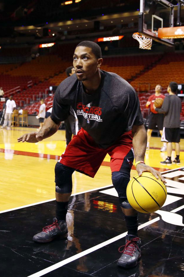 Derrick Rose wearing adidas Rose 3.5 Metal