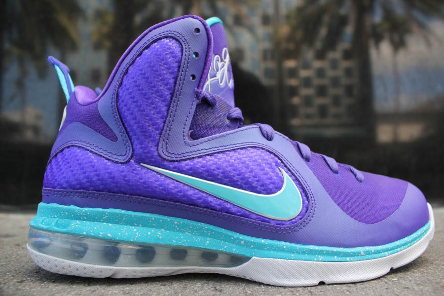 newest b40ed 8cd57 Nike LeBron 9 Summit Lake Hornets Purple 469764-500 (1)