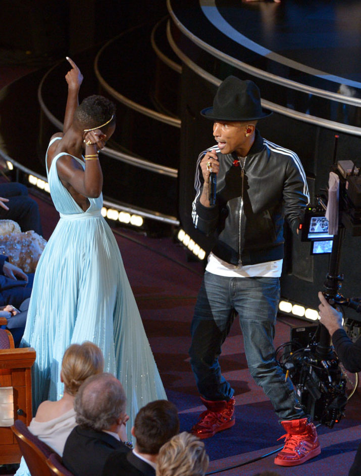 Pharrell Performs at the Oscars in adidas Originals (4)
