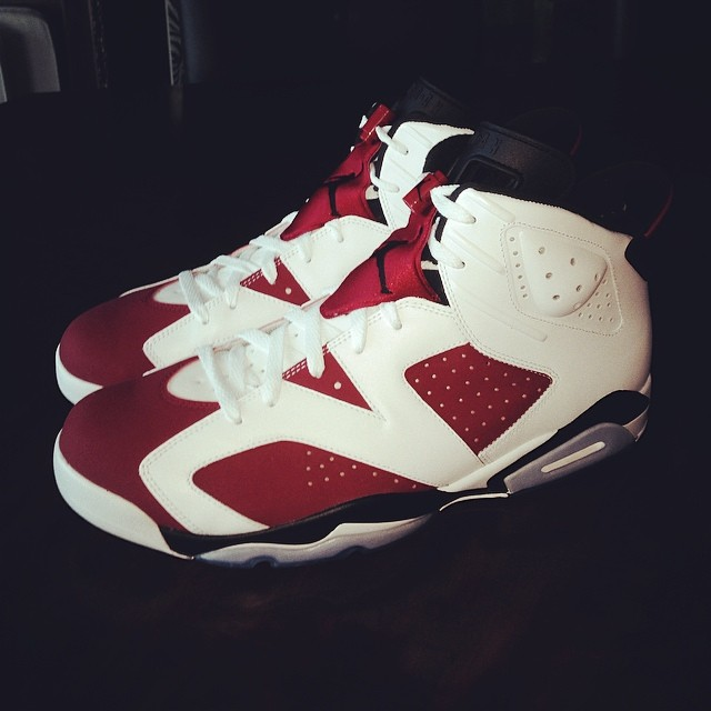 Warren Sapp Picks Up Air Jordan VI 6 Carmine