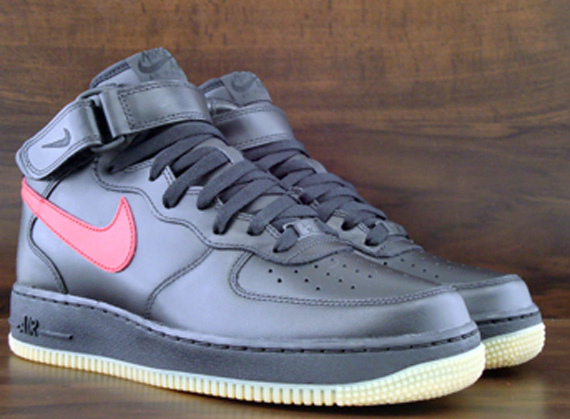 Nike Air Force 1 Mid Noir / Varsity Rouge / Gomme amazone jeu JquTH4G7C