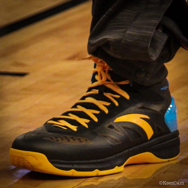 Klay Thompson wearing the ANTA KT Fire (2)