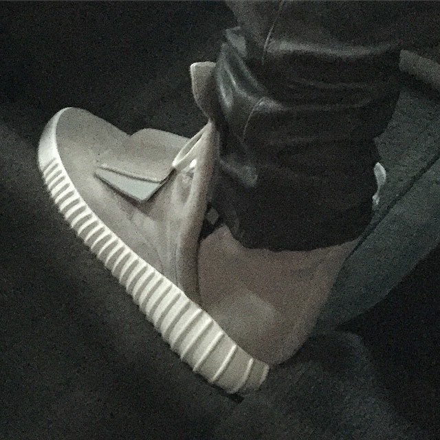 adidas Yeezy 3 Grey Boost (1)