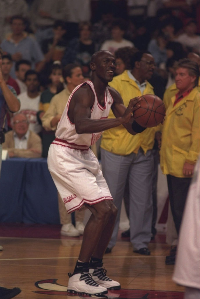 Michael Jordan Wears 'Steel' Air Jordan 10 X in 1994 (2)