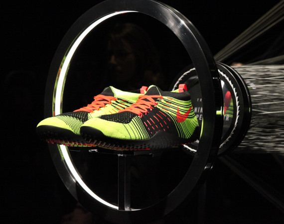 Nike Free Hyperfeel Trainer in volt black and red