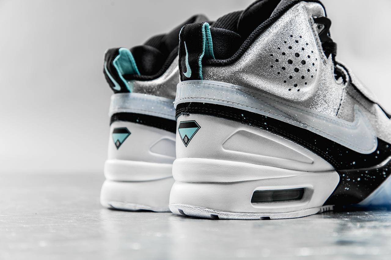 bo jackson diamond shoes