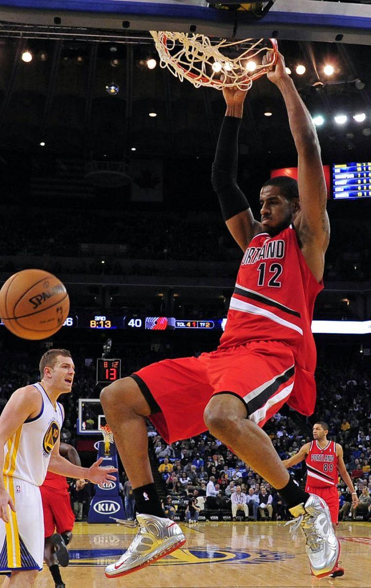 71769a3d87ea NBA Sneaker Watch    Nike Basketball Weekly Recap - Week 11