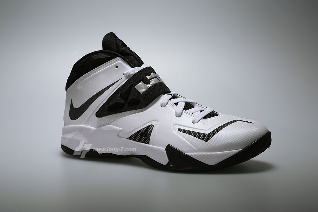 Nike Zoom Soldier VII 7 White/Black-Metallic Silver (2)