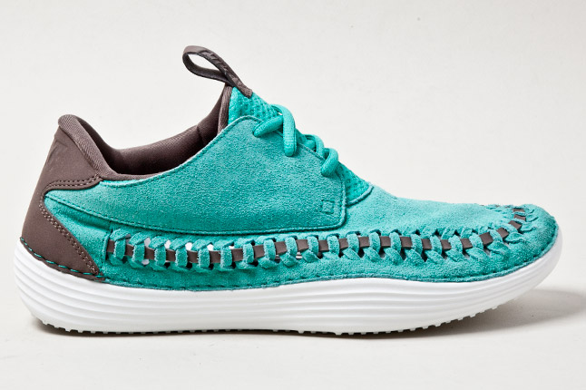 nike solarsoft moccasin woven