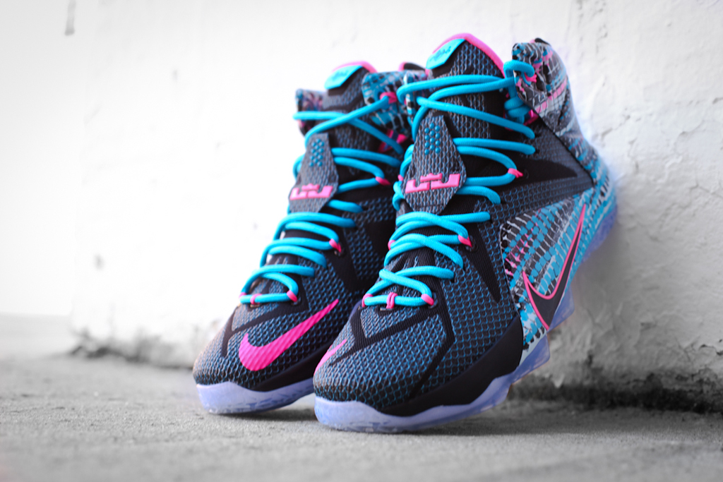 best website f56ff 30dff New Photos of the  23 Chromosomes  Nike LeBron 12