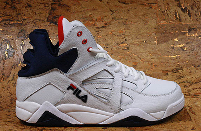 e71cba49217 FILA Cage White Navy Red (1)