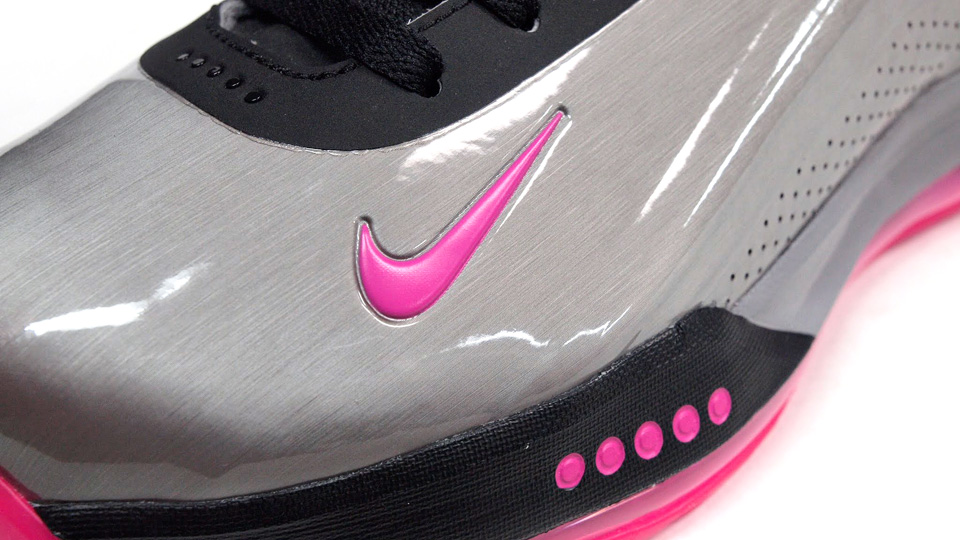 Nike Zoom Hyperflight Max in Metallic Pewter and Pink Foil detail